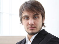 Александр Емельянов