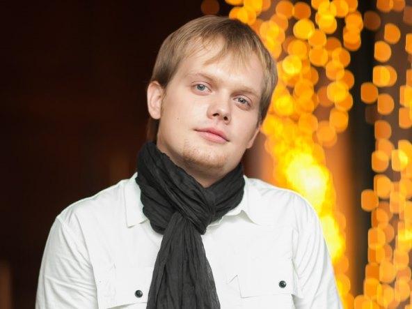 Ян Романов